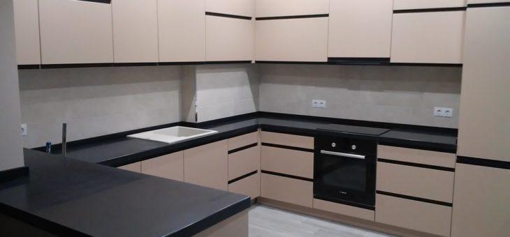 Столешница для кухни из Tristone S119